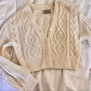 Urban outfitters cropped cream cable cardigan XS
